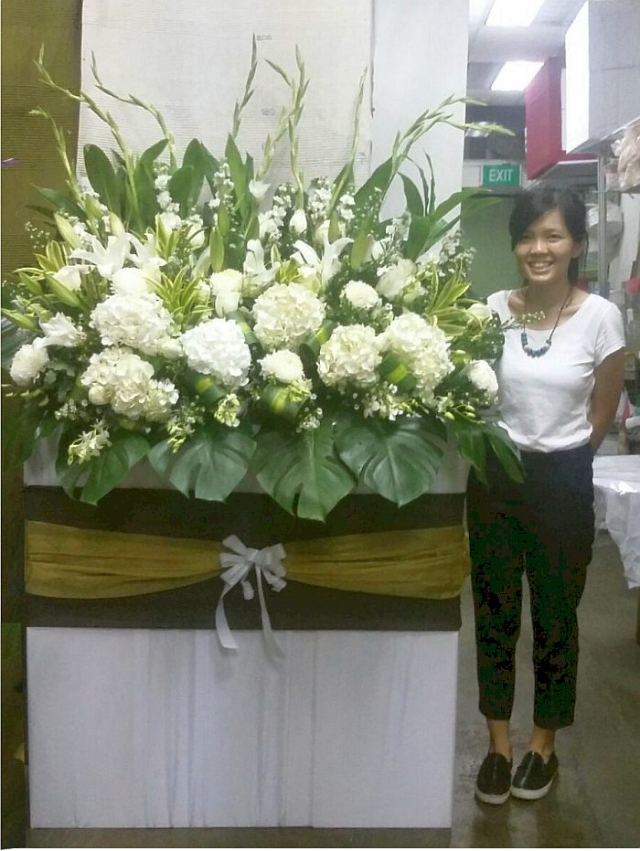 Creating larger than life sizes flower arrangement