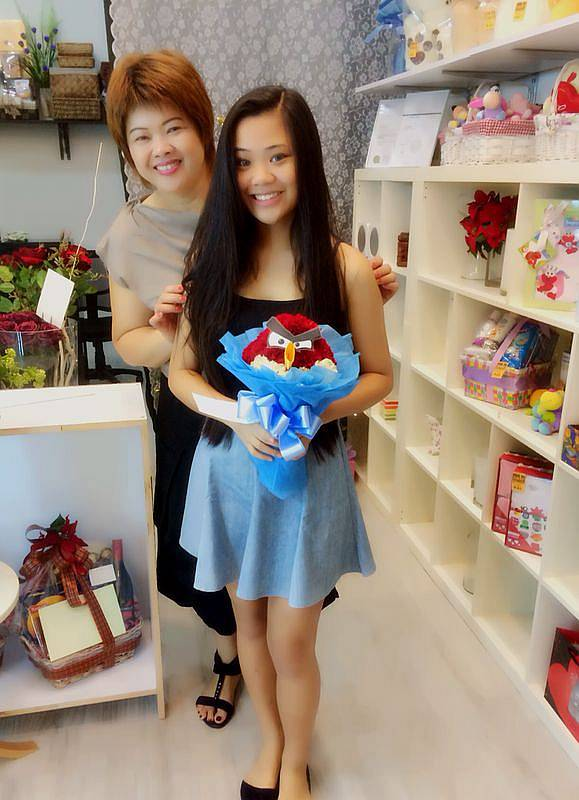 Shirley and Melissa with Angry bird bouquet