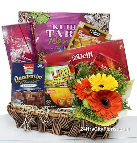 Hampers with fresh flowers
