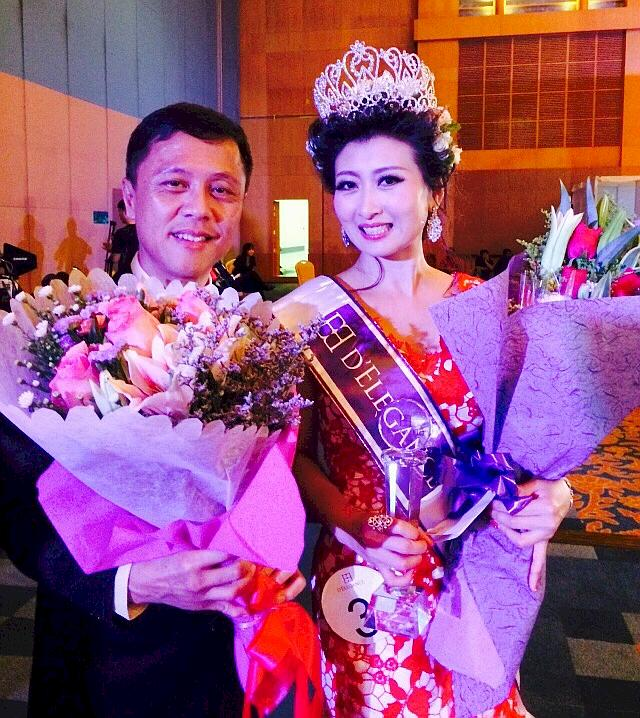 Mrs Singapore World Bouquet