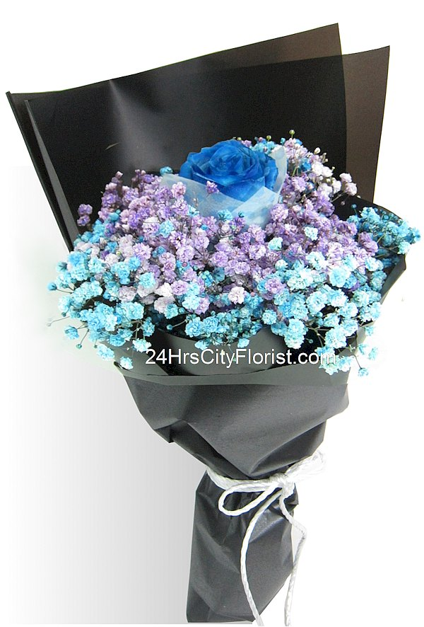 blue rose in baby's breath bouquet