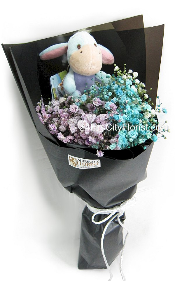 baby's breath bouquet with eeyore