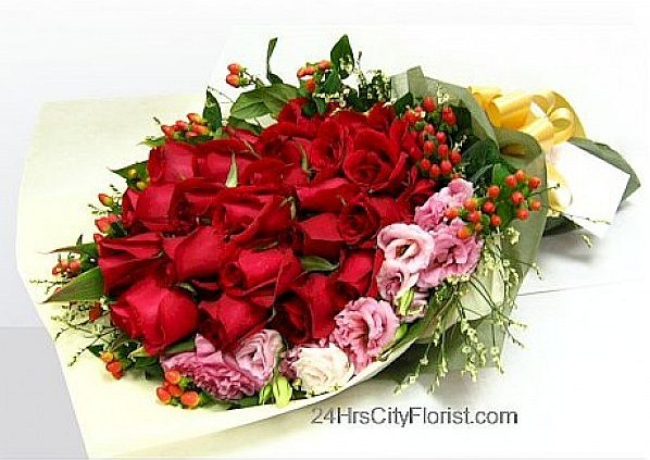 scarlet rose bouquet