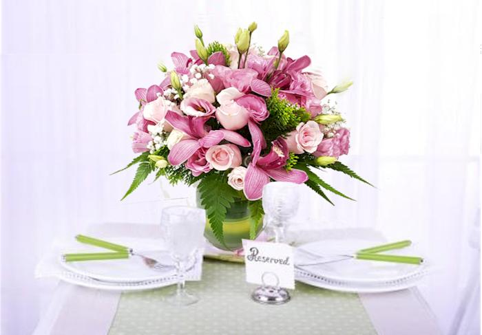 dining with flowers