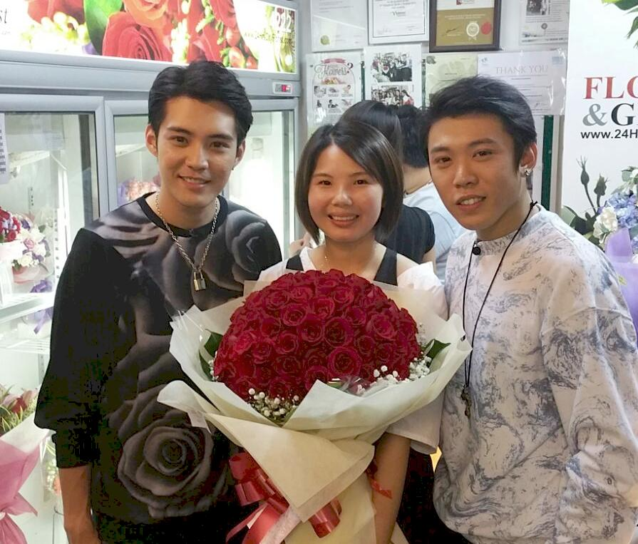 24HrsCityflorist.com was featured in a chinese variety show called 'BENGpire' showcasing the whereabout interesting places to visit in the late hours of the night in Singapore.