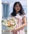 light coloured flower bouquet