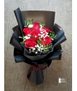 red rose bouquet roosella