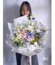 unstructured flower large bouquet