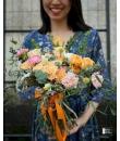 mango rose bouquet