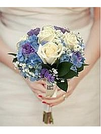 Ivory Blue Bouquet..