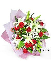 Lily Hand Bouquet Va..