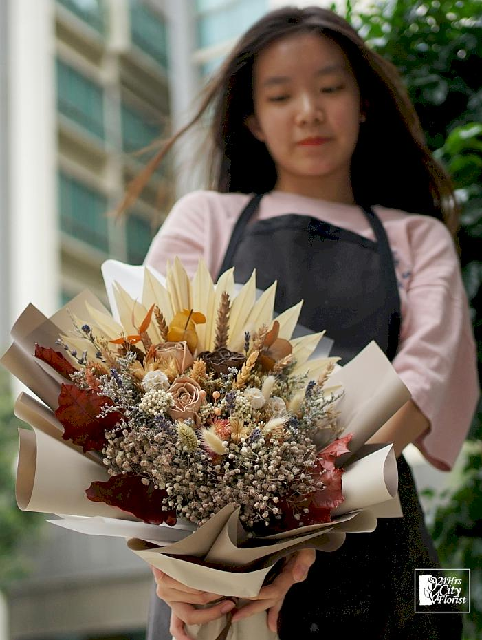 natural dried flower bouquet