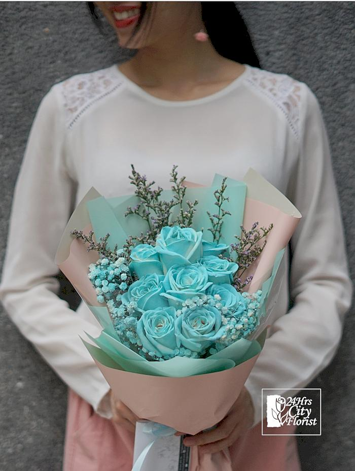 tiffany-blue-rose-bouquet