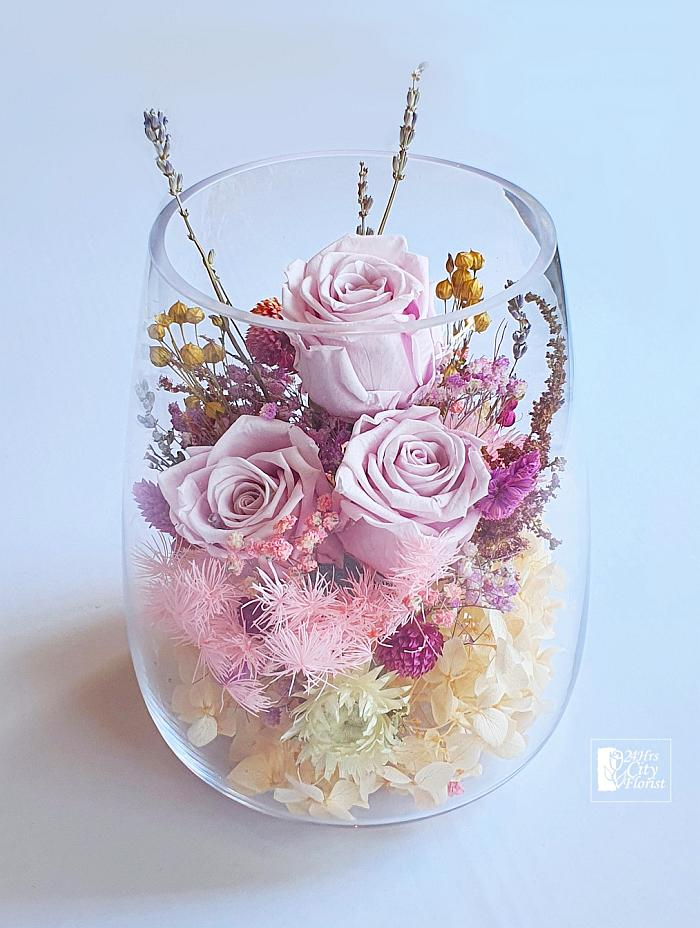preserved flowers in vase