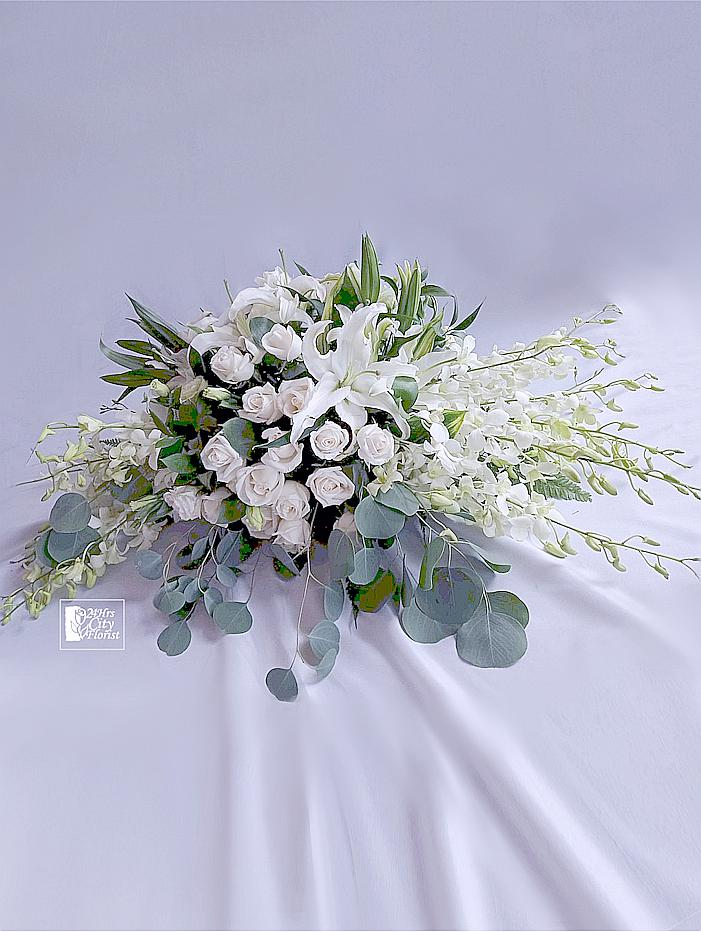 table flower spray white