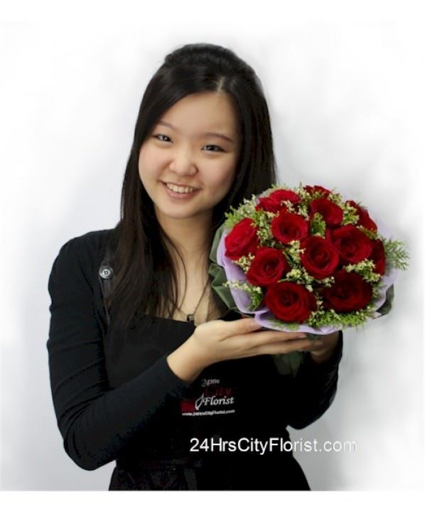Winata Wangi - Red Rose Hand Bouquet